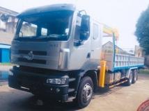 Xe tải Chenglong Hải Âu 3 chân  gắn cẩu