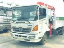 Xe tải Hino FC9JJ gắn cẩu Unic 3 tấn 3 đốt