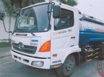 Xe xi téc chở xăng dầu Hino 8 khối