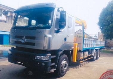 xe chenglong hải âu gắn cẩu soosan 7 tấn
