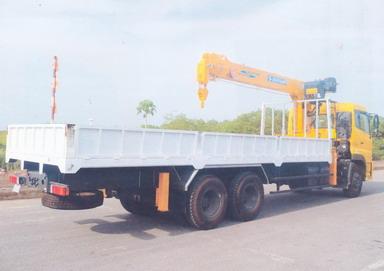 Xe tải Dongfeng hoàng huy gắn cẩu soosan 7 tấn