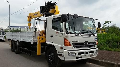 Giá xe tải Hino tháng 8